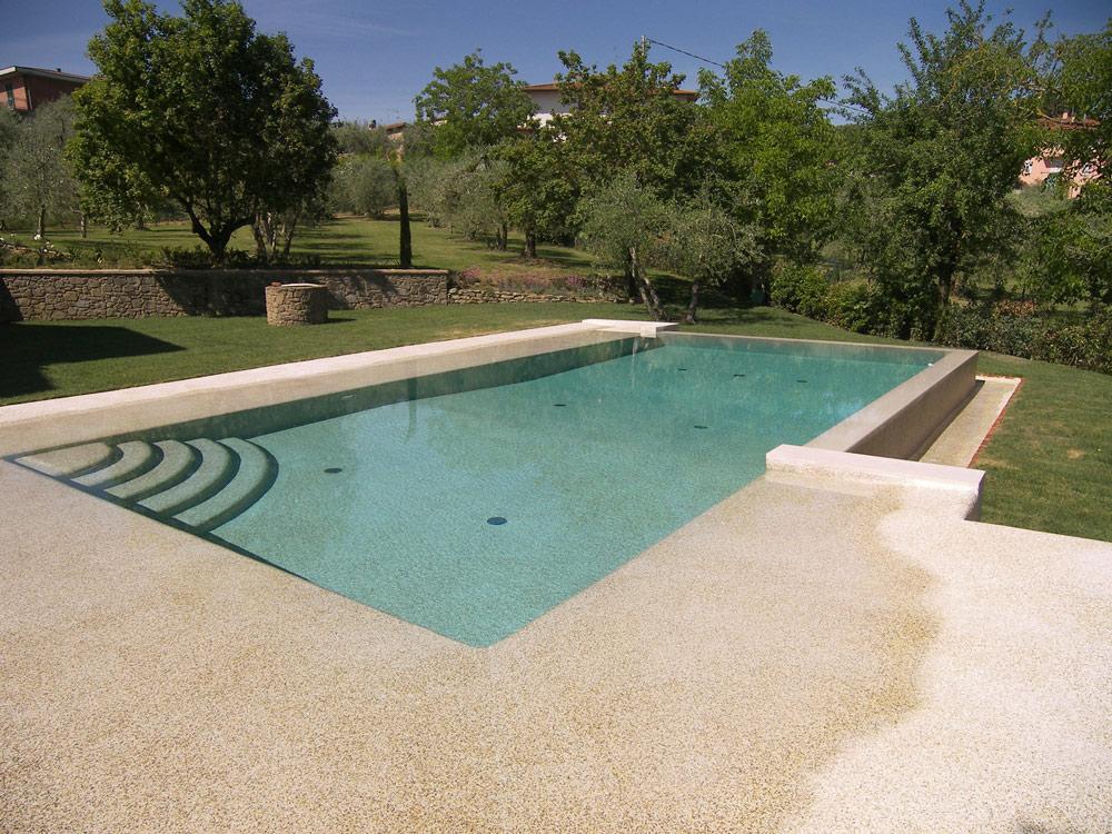 piscina rettangolare in pebbletec