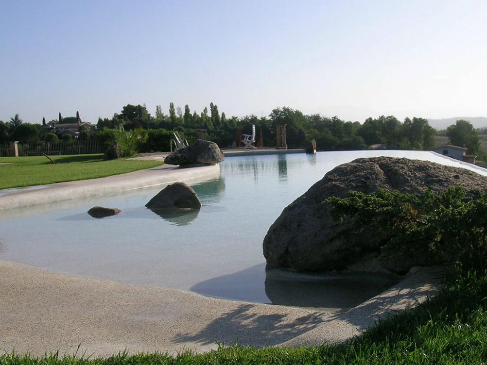 piscina-roccia-pebbletec_