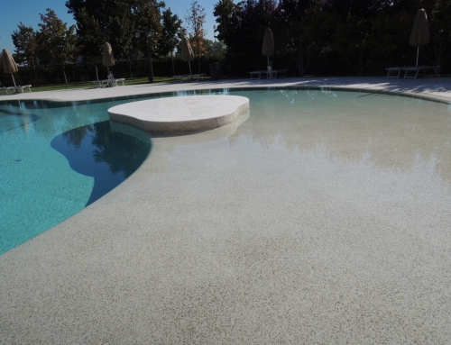 Piscina in Pebbletec ®